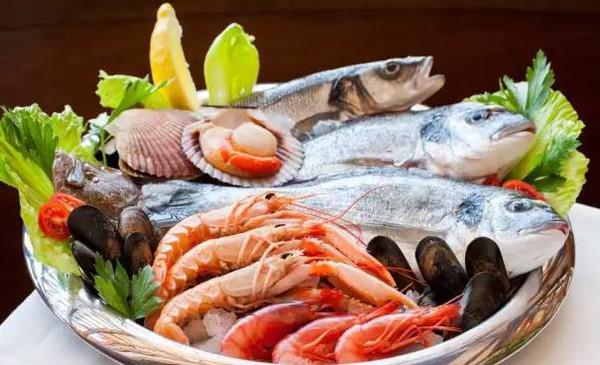 拉肚子能吃海鲜吗_专家说海鲜是优质蛋白能长智力?吃得太多小心孩子得胆囊炎!