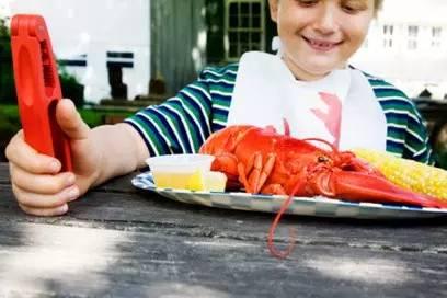 拉肚子能不能吃海鲜_专家说海鲜是优质蛋白能长智力?吃得太多小心孩子得胆囊炎!