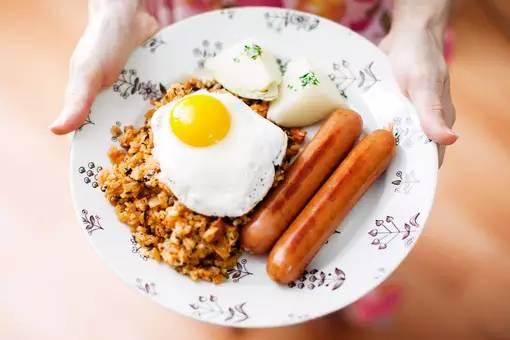 晚餐吃鸡蛋减肥吗_鸡蛋,很有效果~~~~~~另外,晚上不吃晚饭,来一杯红糖加酸奶,包你减肥