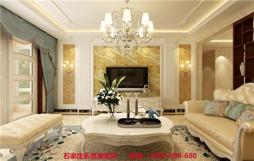 房产 正文  客厅:影视墙采用欧式经典三段式,罗马的设计凸显了空间的
