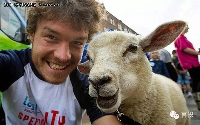 他是动物界朋友圈最受欢迎的摄影师