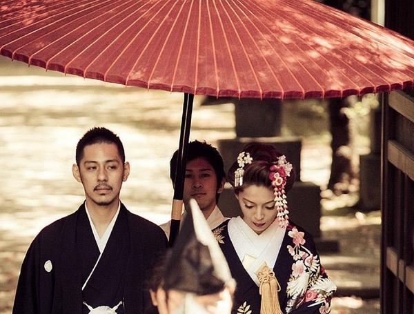 全球超怪异婚礼习俗 有意思的婚礼习俗(www.093090.com)