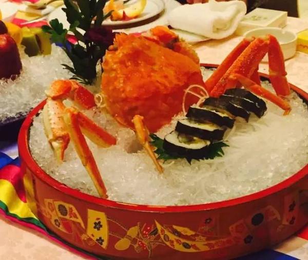 梨能和海鲜一起吃吗_《师傅》中一顿吃50只螃蟹艺术夸张你别学
