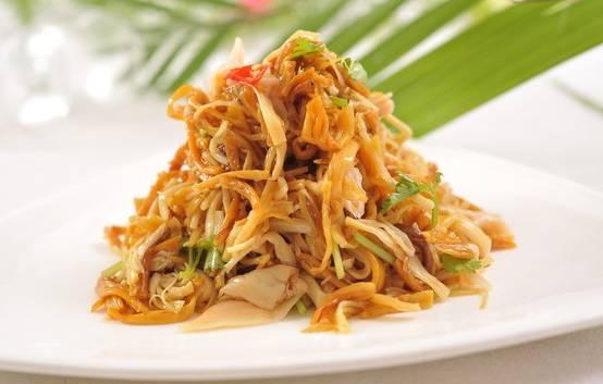 凉拌海鲜的做法_这才是金针菇最美味的做法,扔火锅里是大大的浪费!