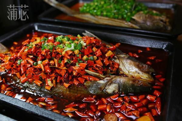 【这一年】看美人鱼!广州有家变戏法的烤鱼店
