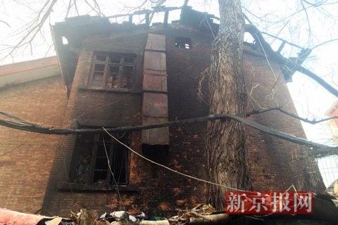 住民楼被废弃。新京报记者 林斐然 摄