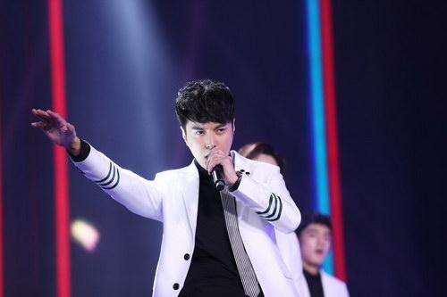 杜俊泽领衔国剧盛典开场大秀 劲爆开唱