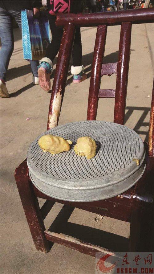 女子杀鸡获半斤重鸡宝 传言数万元一克