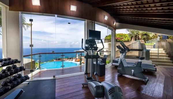 家中常有的封闭式阳台,客卧,走廊…只要有心,就能开辟一个健身小天地!