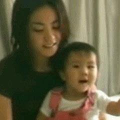窦靖童幼年视频曝光 与妈妈王菲互动有爱