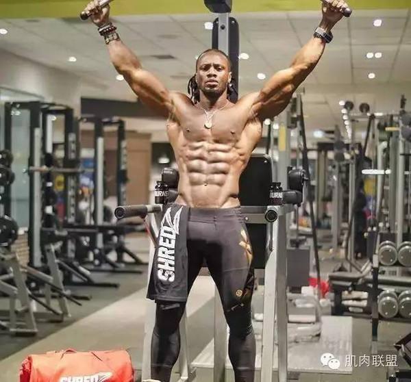 肌肉男摒除了健身佰无壹是?!忍不住为他们正