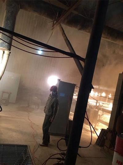 袁立呼吁陶瓷加工厂亲历关注风机尘肺病美的工人新水冷图片