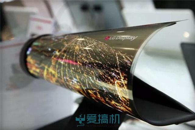 LG Display此前宣布,将投资87亿美元开发OLED显示技术。在本周的美国国际消费电子展(CES)上,LG Display将展示这一领域的研发