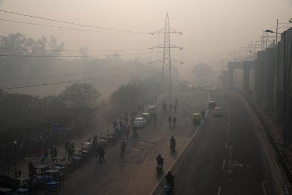 治霾第4天,新德里笼罩在雾霾中。