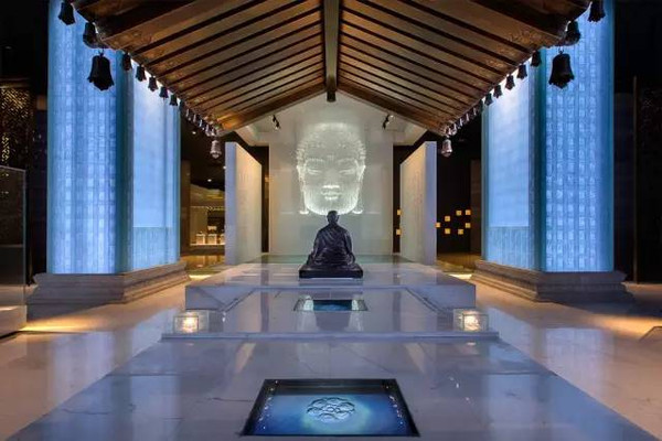 """美食 正文  大报恩寺的琉璃塔曾被西方誉为""""南京瓷塔"""",与古罗马大剧场"""
