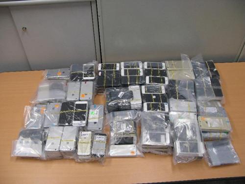 香港海关侦破一宗涉嫌走私智能电话案 拘捕1人