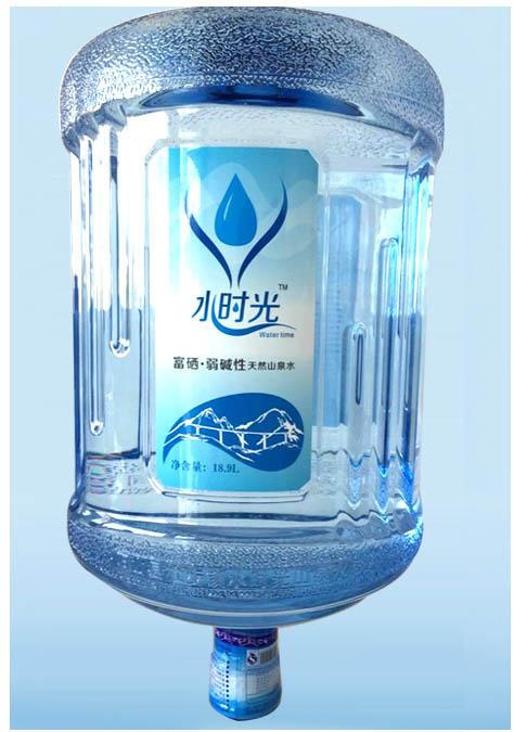 骚穴好多水水_抽检结果显示:水时光桶装水质量堪忧(图)