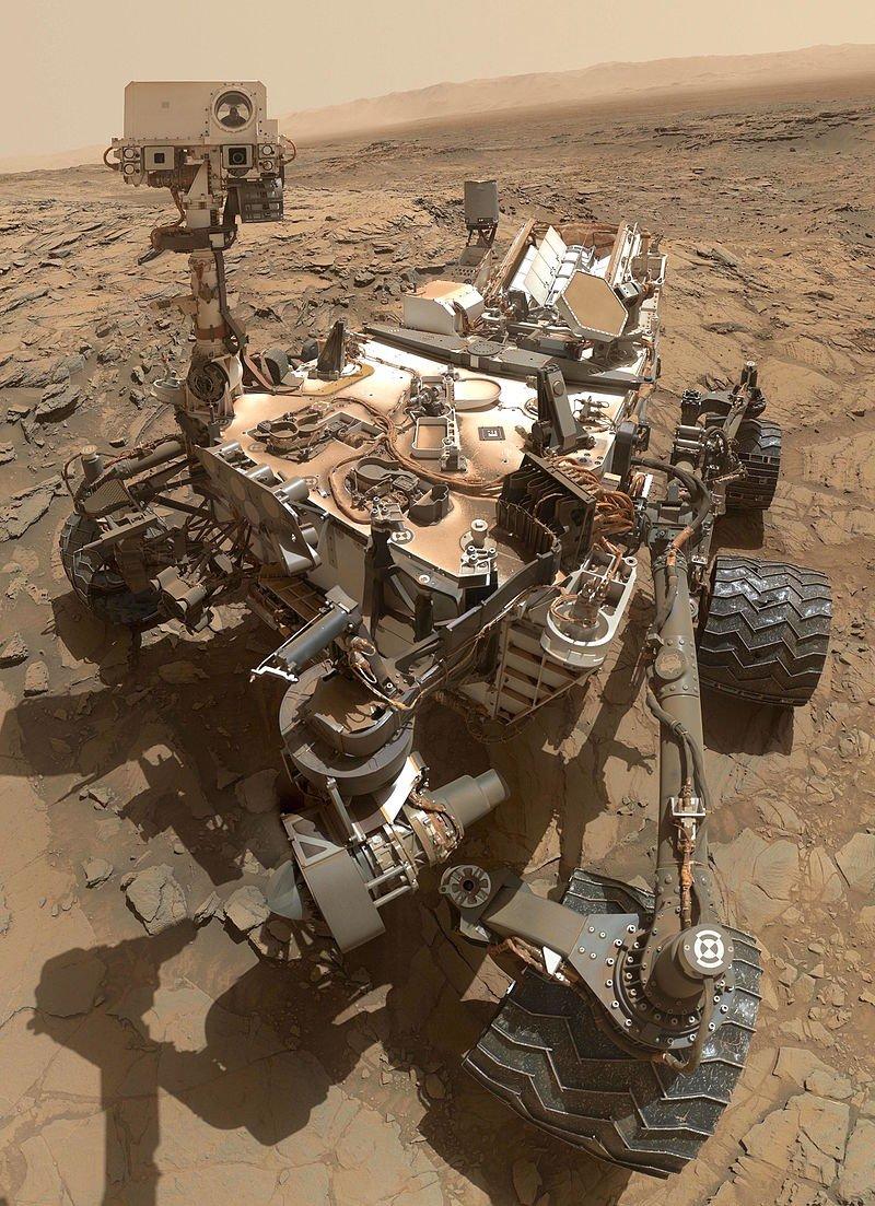 好奇号2012年8月登陆火星,任务包括:探测火星气候及地质,探测盖尔撞击坑内的环境是否曾经能够支援生命。(取自维基百科)
