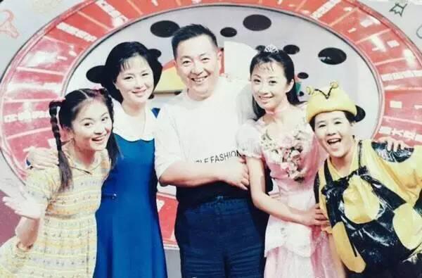 花姐姐_年轻的董浩叔叔还有小鹿姐姐,花姐姐,周洲姐姐和金龟子