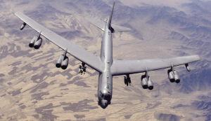 揭秘肌肉男:美B-52轰炸机组图