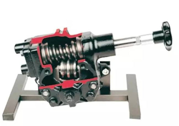 其实也简单,混动车的液压泵会有个电动机,发动机停了电动机接上,没