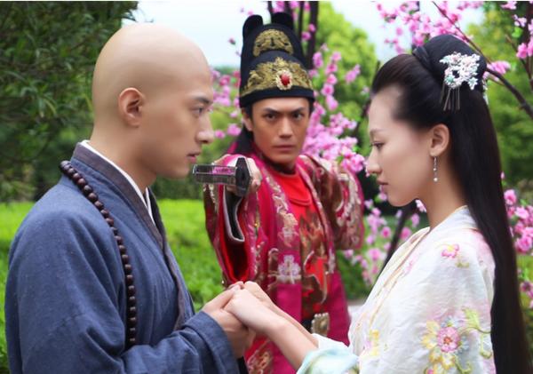 越之待嫁太子_还拐个皇帝穿越回去,最后还碰到转世,如此曲折的剧情,绝对比《太子妃