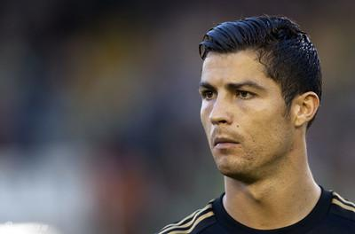 """2002年世界杯上,罗纳尔多就留了这样的发型,中国球迷就称为""""阿福头"""".图片"""