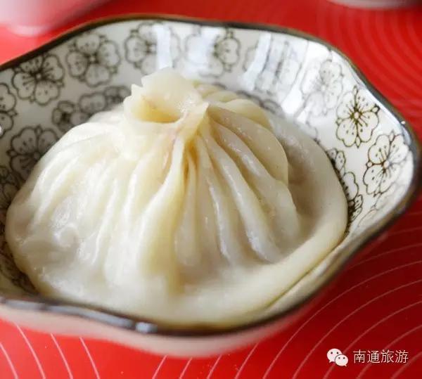 原料:面粉,如东本港文蛤,猪夹心肉,竹笋,老母鸡,猪肉皮