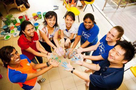 2016年去新加坡读作文中小学政府居然便v作文学费小学生图片
