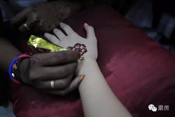 ▲印度彩绘是承继印度最古老的人 & fashion娘惹文化与服饰   ▲老板