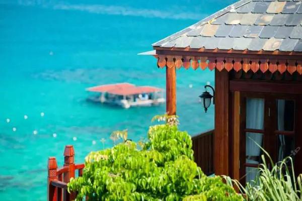(摄影:海南曼姐) 分界洲岛的旅游设施已逐渐开发起来.