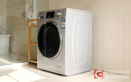海信滚筒洗衣机XQG80-B1402FPCI   海信旋瀑洗滚筒洗衣机如今在市面上大受关注自然有其道理,洗衣机的根本在于洗净衣物,而在此基础上,配合外观,节能,杀菌等符合用户需求,海信在这点上做的非常明确,无论是羽绒服、大件洗、95度除菌还是超快洗,均收集如今各人群不同需求所设计,配合最新旋瀑洗技术自然获得用户和市场亲睐。   海信滚筒洗衣机XQG80-B1402FPCI的旋瀑洗技术是衣物洗涤领域里的一大创新技术,其在改善衣物洗净度、去除洗衣液残留方面做出了重要贡献,尤其对孕妇和婴幼儿保健具有重大意