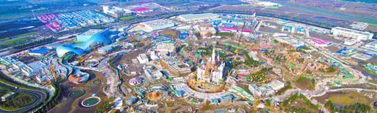 上海迪士尼度假区将于今年6月16日正式开幕。昨天清晨6点刚过,华特迪士尼公司和上海申迪集团共同宣布了这一重要消息。