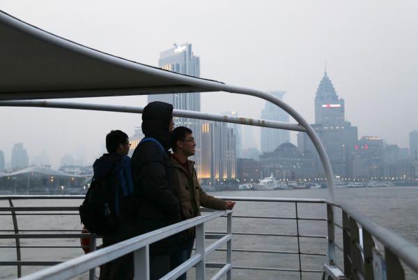 上海首条水上巴士常开空船 市民:18时就停运