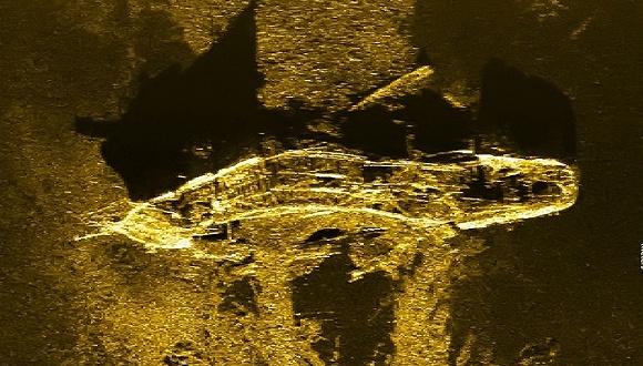 自2014年3月8日马航MH370失联至今,这架失踪的波音777飞机仍没有被找到,但搜寻队伍却有了不少有价值的意外发现,例如去年12月19日,他们在3900米的海底发现了一艘200多年前的沉船残骸。