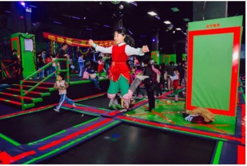 中国唯一美国原装进口蹦床主题公园 酷跳带你畅享(组图)图片