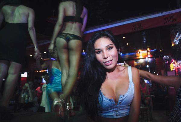 撸一撸人妖_泰国的那些事,关于妓女,人妖和租妻