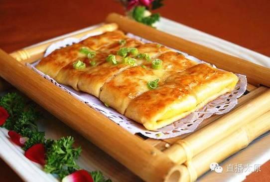 吃   :武汉辣鸭脖、热干面、葱烧武昌鱼、臭豆腐、三鲜豆皮、蛋酒…
