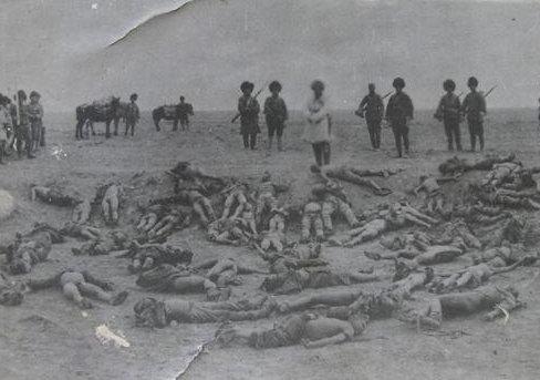 西路军2万人几乎全军覆没现场尸...