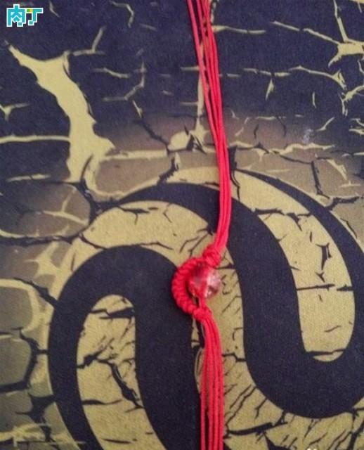 本命年红绳手链 简单红绳手链编法图解教程