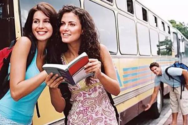 出国旅游常用英语哪本书好