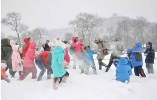 """冬天打雪仗图片_""""神农架冬季旅游亮点""""缤纷体验之旅"""