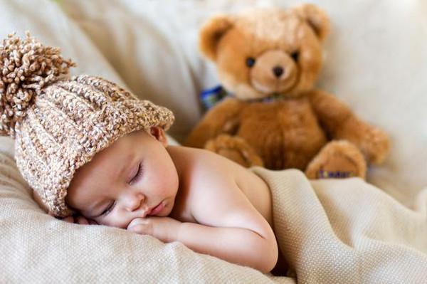 大寒必�W!孩子冬天睡眠�|量竟取�Q于�m子