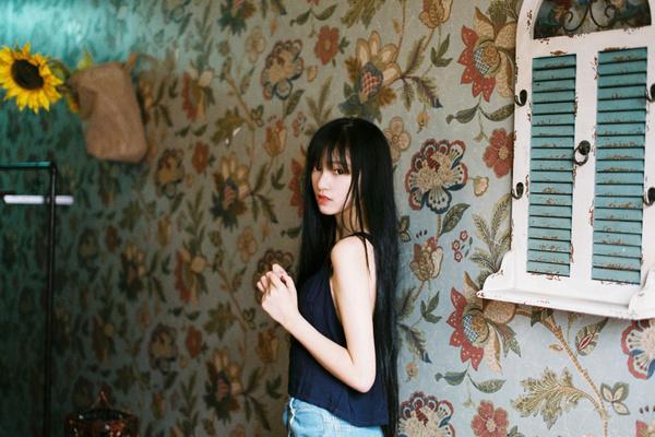 象是一个清新美少女,双鱼座女孩,爱幻想、爱美食、爱运动、爱电影