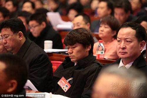 1月7日:明星委员王宝强参加河北政协会 缺席两年终现身(点击进入组图)