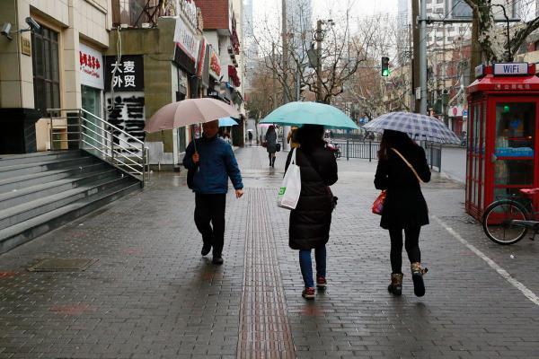 未来10天(1月24日-2月2日),江南、华南大部降水量有25-60毫米。 雍凯 澎湃资料