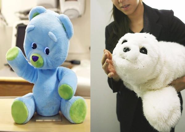 公司 移动互联                   机器玩具熊huggable和竖琴海豹宝宝图片