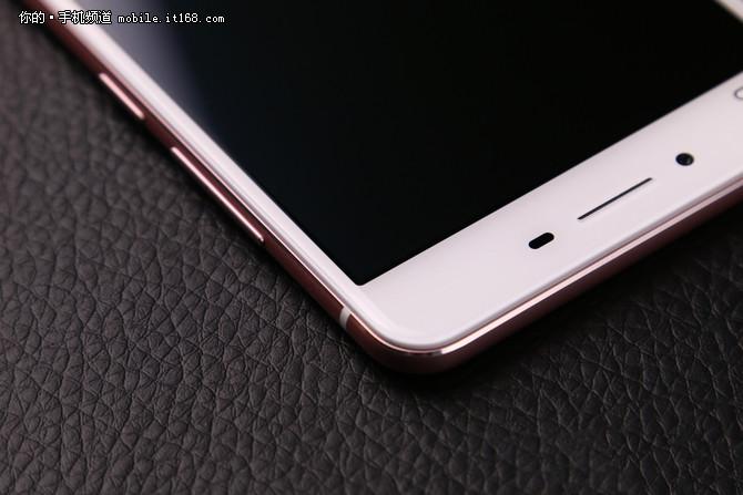 it168 什么值得买作为2015年vivo的旗舰手机之一,vivo x6 plus在x6的
