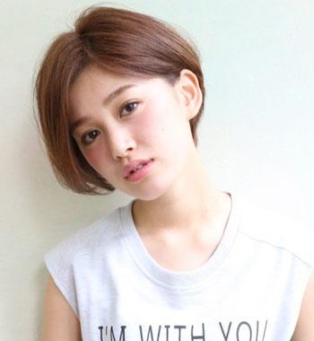 女生时尚蘑菇头短发 清爽又吸睛图片