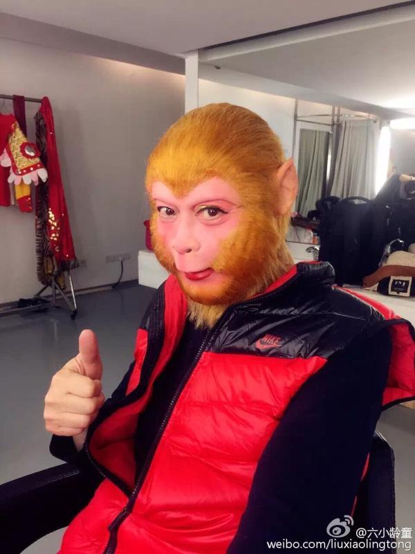 六小龄童在微博发布央视戏曲春节晚会录制照。